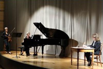 Samedi 19 novembre Duo Wassily S. Chamoux piano S. Debruyne Violon P. Galliard récitante